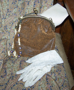 Purse and accessories for the lightweight cotton dress